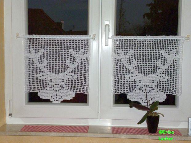 gardinen deko geh kelte gardinen und vorh nge 22 modelle gardinen dekoration verbessern ihr. Black Bedroom Furniture Sets. Home Design Ideas
